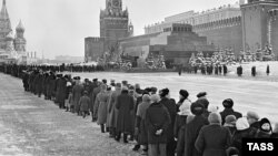 Мавзолей Ленина в марте 1960 года