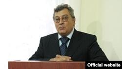 Mahmud Kərimov deyir ki, nüvə reaktorunun tikintisi 2009-2011-ci illərə planlaşdırılıb