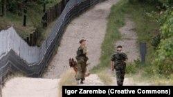 """Российские пограничники на пограничной заставе """"Нормельн"""" на Балтийской косе."""