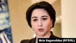 Депутат начала сбор подписей, но, к удивлению бывшей главы юридического комитета парламента, члены ее политической «альма-матер» не разделили ее энтузиазма