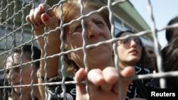 Многие родные и близкие тех, кто содержится в местах не столь отдаленных, не понимали, что стоит за упразднением комиссии по условно-досрочному освобождению