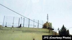 طی روزهای اخیر در ایران، شماری از زندانیان از زندان فرار کردهاند.