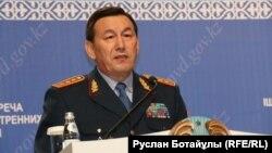 Қалмұханбет Қасымов, ішкі істер министрі. Астана, 14 маусым 2016 жыл.