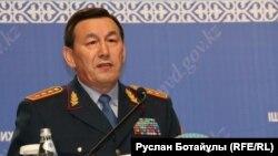 Ішкі істер министрі Қалмұханбет Қасымов. Астана, 14 маусым 2016 жыл.