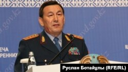 Қалмұханбет Қасымов, Қазақстан ішкі істер министрі.