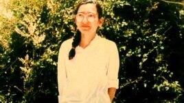 شکوفه سخی چند روز پس از آزادی از زندان در سال ۶۹/ برای دیدن عکس کامل دو بار کلیک کنید