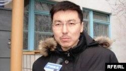 """Әнуар Әбдірейімов, """"СНПС-Ақтөбемұнайгаз"""" компаниясымен соттасқан акционерлердің қорғаушысы. Ақтөбе, 23 сәуір 2009 ж."""