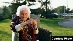 122 yaşında vəfat etmiş dünyanın ən yaşlı adamı - Janna Kalman