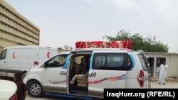سيارة تنقل جثمان احد ضحايا الاختطاف في الانبار