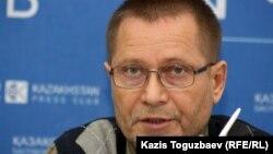 Журналист Сергей Дуванов. Алматы, 13 наурыз 2013 жыл.