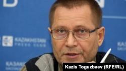 Сергей Дуванов, тәуелсіз журналист.