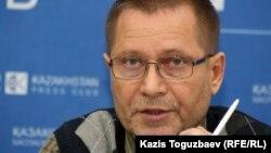 Сергей Дуванов, Қазақстандағы адам құқықтары бюросының ақпараттық орталығының жетекшісі. Алматы, 13 наурыз 2013 жыл