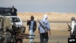 Бунтовници во градот Аџдабија