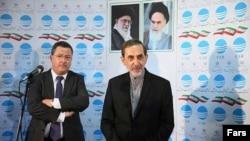علی اکبر ولایتی (راست) در دیدار با قائممقام وزیر امور خارجه سوئیس.