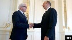Գերմանիայի արտգործնախարար Ֆրանկ-Վալտեր Շտայնմայերին ընդունում է Ադրբեջանի նախագահ Իլհամ Ալիևը, Բաքու, 23-ը հոկտեմբերի, 2014թ․