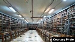 Архив рукописей библиотеки аятоллы Мараши. Иран, Кум, 6 июля 2013 года.