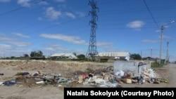 Мусорная свалка на окраине Жезказгана. 13 августа 2013 года.