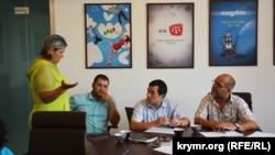 Крымские адвокаты и координатор полевого правозащитного центра в Крыму Александра Крыленкова