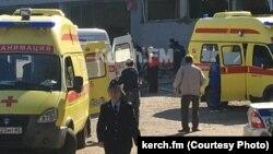 Керченські ЗМІ опублікували фотографії з місця вибуху в Політехнічному коледжі