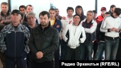 A group of Kumyk representatives decided to set up a national parliament in Makhachkala in May, as the small ethnic group continues to demand its right to move back to its prewar lands.