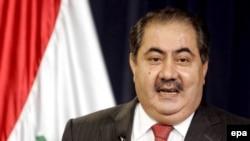هوشيار زيبارى به تلويزيون عراقى «الشرقيه» گفت: «ما مشكلات بزرگى با طرف ايرانى بر سر حل و فصل و ترسيم مرزهاى زمينى، دريايى و ساحلى داريم.»