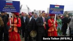 Участники V театрального фестиваля стран Центральной Азии. Актау, 25 октября 2014 года.