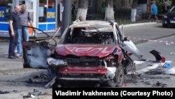 Автомобіль, в якому внаслідок вибуху загинув журналіст Павло Шеремет, Київ, 20 липня 2016 року