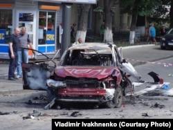 Машина, в которой при взрыве в Киеве 20 июля 2016 года погиб журналист Павел Шеремет