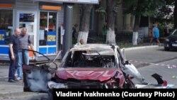 Машина, в которой при взрыве в Киеве 20 июля 2016 года погиб журналист Павел Шеремет.