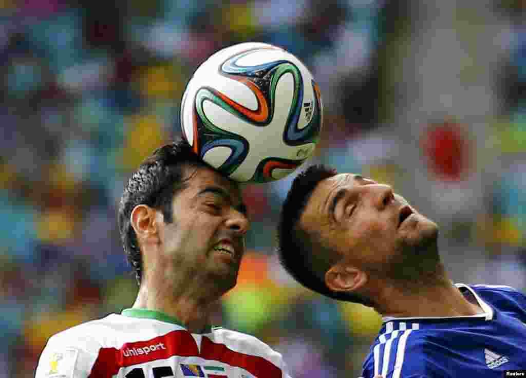 Bosniya və Herseqovina-İran – 3:1. Pejman Montazeri vs. Vedad Ibisevic.