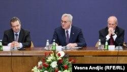Predsednik Tomislav Nikolić i šef diplomatije Ivica Dačić na sastanku sa ambasadorima, foto: Vesna Anđić