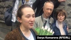 Белсенді Дарья Кулакованың қамаудан босап шыққан сәті. Қазан, 9 мамыр 2017 жыл.