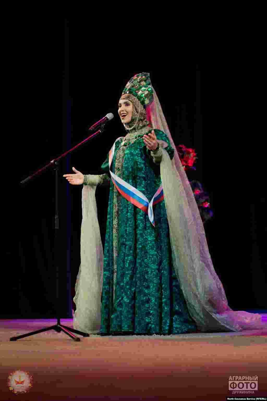 Екатерина Попкова из Челябинской области теперь«Первая Вице-мисс Студенчество России — 2016»
