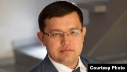 Макроэкономикалық зерттеулер орталығының директоры Олжас Құдайбергенов.