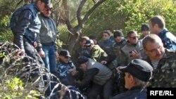 Сутичка між активістами і будівельниками на Полікурівському пагорбі, березень 2010 року