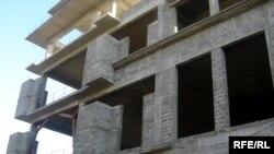 Недоизградена зграда