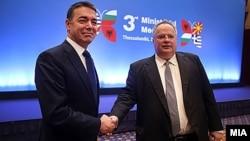 Солун- министрите за надворешни работи на Македонија и на Грција Никола Димитров и Никос Коѕијас, 04.05.2018