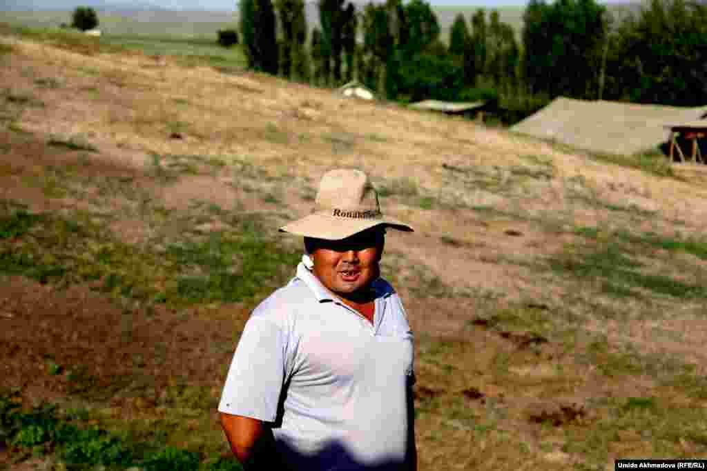Ғалым Ташпулатов - Балғалыда биебау ұстап, қымыз сататын кәсіпкер. Кәсібінің қиын екенін айтады.
