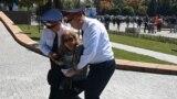 В Казахстане снова задерживают оппозиционных активистов и блогеров