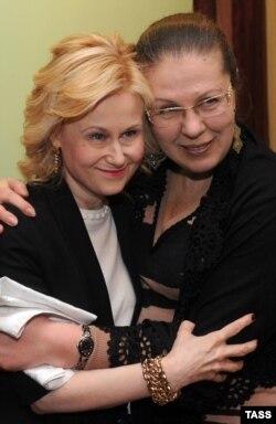Писательницы Дарья Донцова и Александра Маринина, 2012