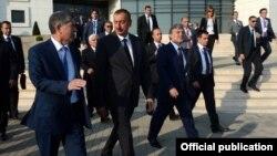 Азербайжан -- Кыргызстандын, Азербайжандын жана Түркиянын президенттери саммитте. Габала шаары, 16-август, 2013.
