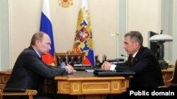 Русия президенты Владимир Путин һәм Татарстан президенты Рөстәм Миңнеханов (архив фотосы)