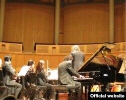 La debutul orchestral în Canada