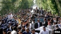 تصویری که خبرگزاری ایرنا از سفر محمود احمدینژاد به ابوموسی منتشر کرده است