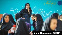 نمایی از یک مدرسه دخترانه در تهران/ عکس تزئینی است