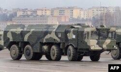 """Российский оперативно-тактический ракетный комплекс """"Искандер"""" малой дальности"""