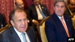 Ռուսաստանի և Միացյալ Նահագների արտգործնախարարներ Սերգեյ Լավրովն ու Ջոն Քերրին Լոզանում, 15-ը հոկտեմբերի, 2016թ.