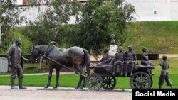Казан Кирмәне янында Әсгать Галимҗановка багышланган һәйкәл
