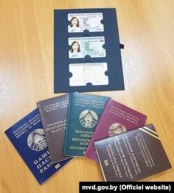 Новыя беларускія біямэтрычныя пашпарты і ID-карткі, узор