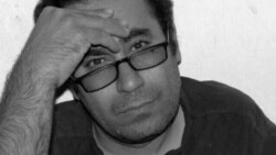خدیجه پاکضمیر، همسر محمد حبیبی معلم زندانی، از وضعیت بازداشت او میگوید